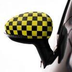 pellicola-adesiva-scacchi-giallo-d